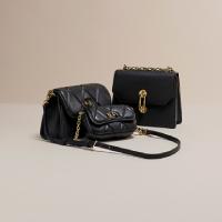 กระเป๋าสไตล์คลาสิกสีดำ